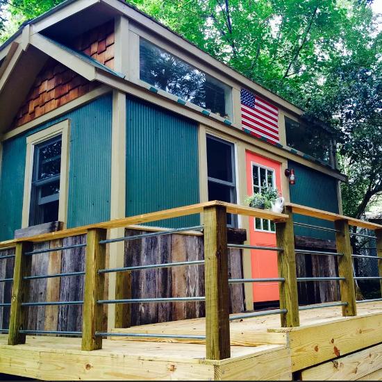 Tremendous 10 Tiny Houses For Rent In Carolina Tinyhousenc Download Free Architecture Designs Rallybritishbridgeorg